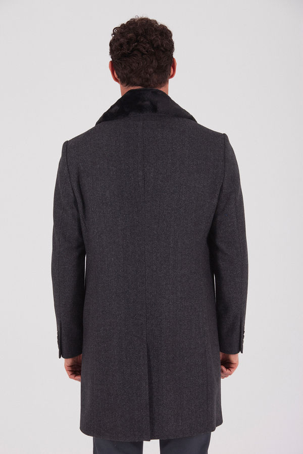 Yakası Kürklü Antrasit Palto