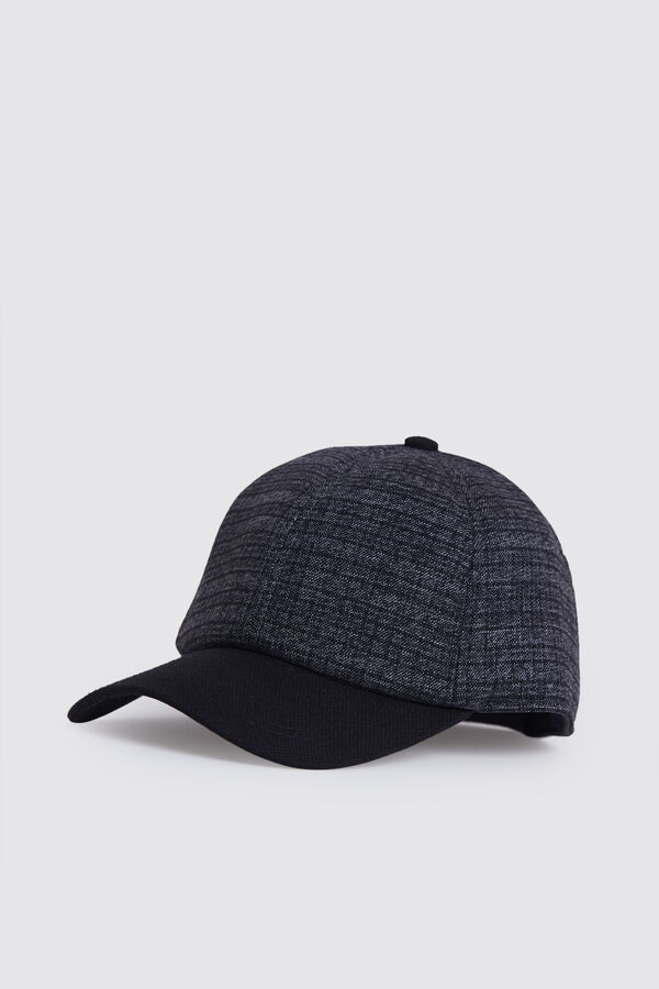 HTML - Desenli Gri Şapka