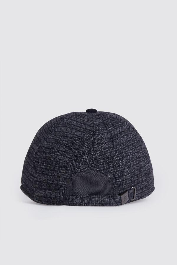 HTML - Desenli Gri Şapka (1)