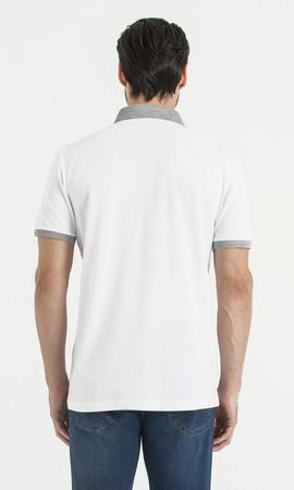 Beyaz Desenli Polo Yaka Tişört - Thumbnail