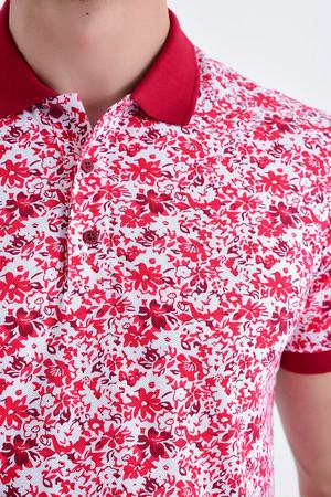 Kırmızı Çiçek Desenli Polo Yaka Tişört - Thumbnail