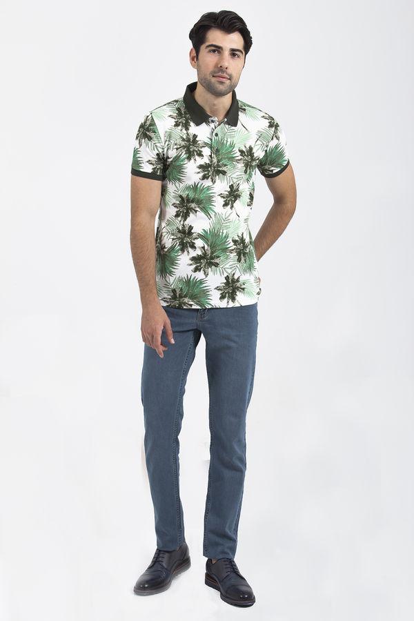 HTML - Yeşil Çiçek Desenli Polo Yaka Tişört (1)