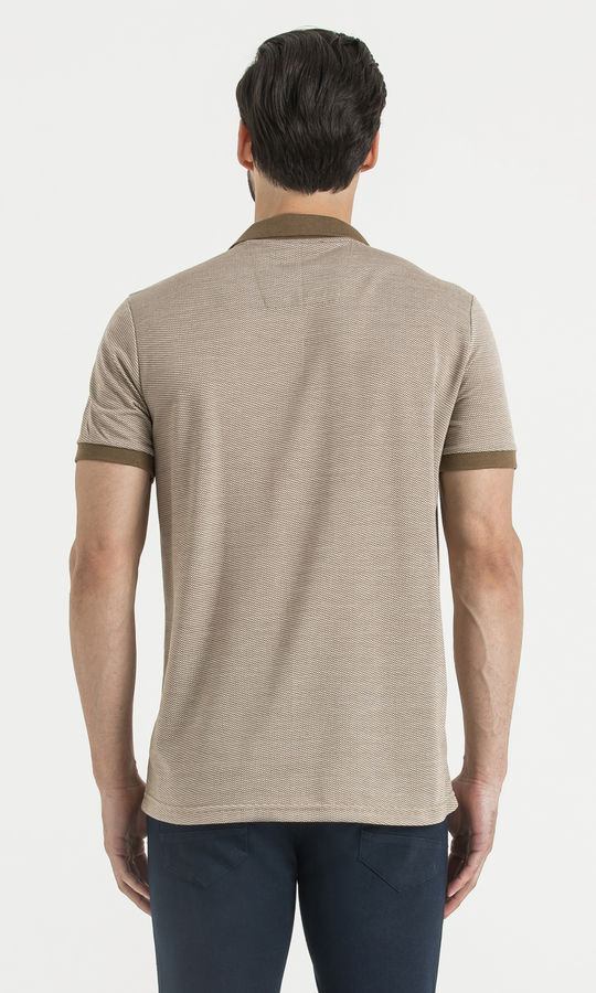 Kahverengi Polo Yaka Desenli Tişört