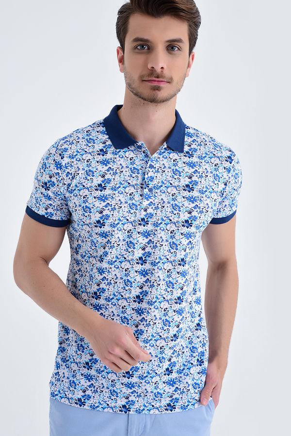 HTML - Mavi Çiçek Desenli Polo Yaka Tişört