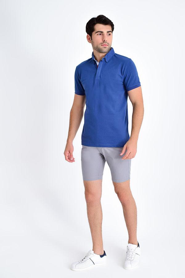 HTML - Mavi Yaka Desenli Polo Yaka Tişört (1)