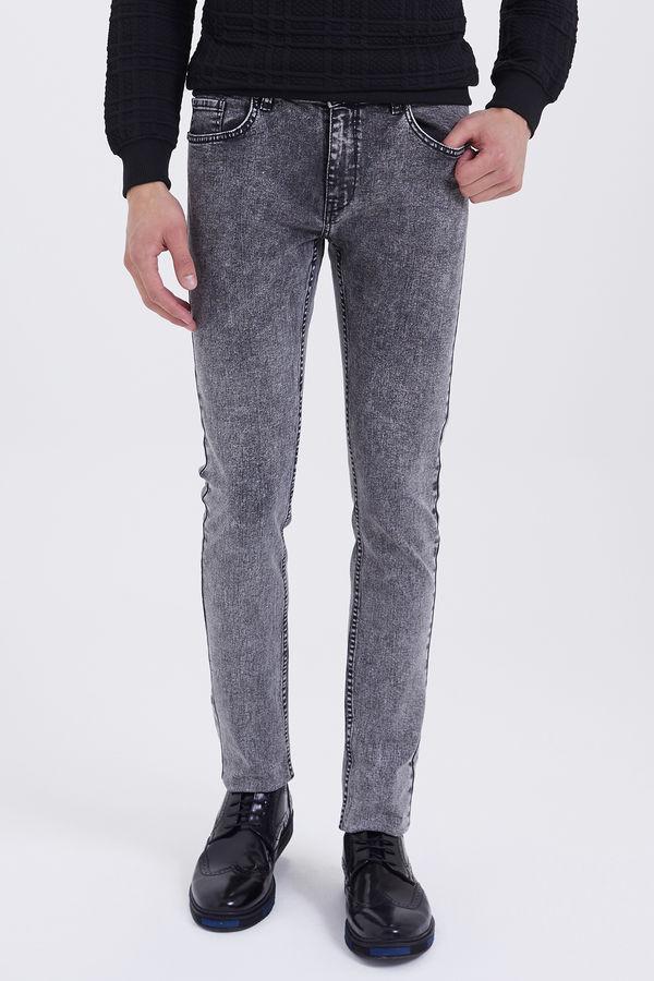 HTML - Desenli Slim Fit Gri Pantolon