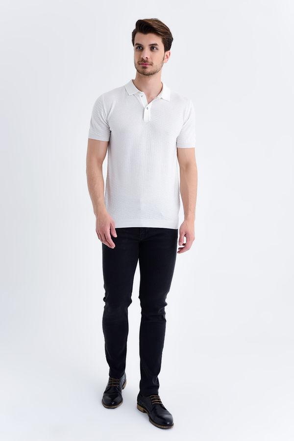 HATEM SAYKI - Ekru Modelli Regular T-shirt (1)