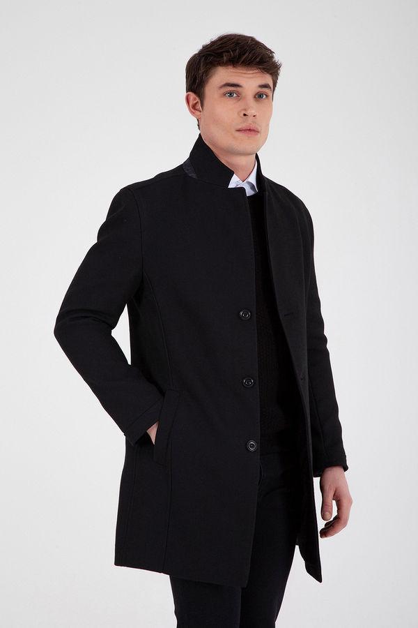 HTML - Hakim Yaka Siyah Palto