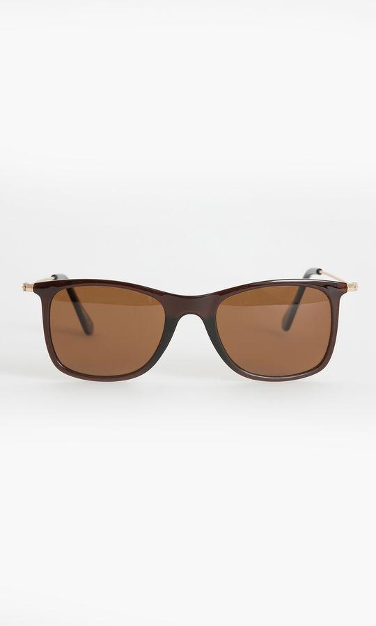 Hatem Saykı - Kahverengi Güneş Gözlüğü
