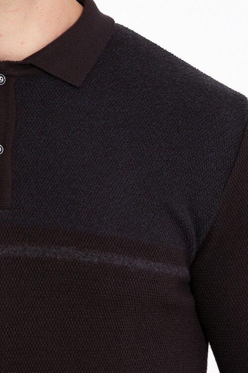 Kahverengi Desenli Polo Yaka Kazak