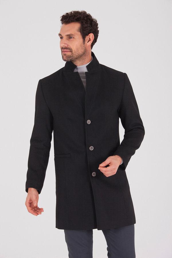 HTML - Siyah Palto