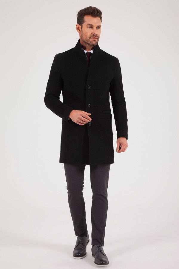 HTML - Siyah Palto (1)