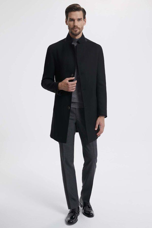 HTML - Siyah Desenli Slim Fit Palto (1)
