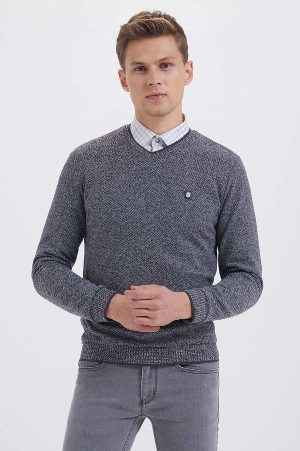 HTML - V Yaka Siyah Sweatshirt