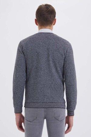 V Yaka Siyah Sweatshirt