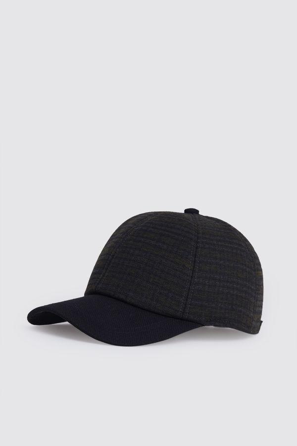 HTML - Desenli Yeşil Şapka